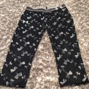 Girls XL under armour leggings capris